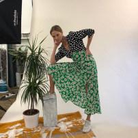 Dress Summer of 2019 S.,M.,L. Mid length dress singleton  Short sleeve commute V-neck middle-waisted Decor Socket Big swing Others 18-24 years old Type H Retro Chiffon