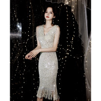 Dress / evening wear Weddings, adulthood parties, company annual meetings, daily appointments S M L XL XXL Ssm18193 silver Sequin skirt Korean version Medium length middle-waisted Autumn 2020 Self cultivation Deep collar V zipper 18-25 years old SU201359 Solid color Su Shangmei other Other 100%