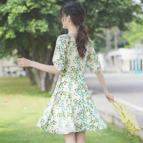 Dress Summer 2020 green S M L Middle-skirt singleton  Short sleeve commute V-neck Loose waist Broken flowers Socket Ruffle Skirt routine 18-24 years old Type A Pachachi Korean version More than 95% polyester fiber Polyester 100% Exclusive payment of tmall