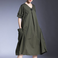 Dress Summer 2021 Black, army green Average size Mid length dress singleton  Short sleeve street V-neck Loose waist Solid color Socket A-line skirt routine Others Type A Honey management pocket More than 95% other cotton Europe and America