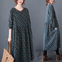 Women's large Autumn 2020 Picture color Large XL Large 2XL large 3XL large 4XL Dress singleton  commute easy moderate Socket Long sleeves Broken flowers literature V-neck Medium length Cotton and hemp printing and dyeing 30-34 years old pocket 51% (inclusive) - 70% (inclusive) Medium length