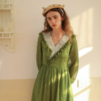 Dress Spring 2021 Retro Green S code pre-sale money, arrive at any time, send at any time , M code pre-sale money, arrive at any time, send at any time , L code pre-sale money, arrive at any time, send at any time longuette singleton  Long sleeves Sweet V-neck High waist zipper Big swing Type X Mori