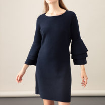 Wool knitwear Autumn of 2018 M Navy blue, blue velvet Nine point sleeve Socket Cashmere More than 95% Medium length thick commute Straight cylinder Low crew neck pagoda sleeve lady 25-29 years old PIAZZA CASTELLO