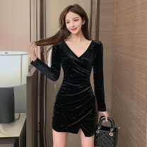 Dress Winter 2020 black S M L XL XXL Short skirt singleton  Long sleeves commute V-neck High waist Solid color Socket One pace skirt routine Others 25-29 years old Type X Kayichi Korean version Pleated sequins JSR001 More than 95% other polyester fiber Pure e-commerce (online only)
