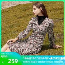 Dress Winter 2020 Black red 170/92A/XL,160/84A/M,175/96A/XXL,165/88A/L,155/80A/S Short skirt singleton  Long sleeves commute other middle-waisted Broken flowers Socket A-line skirt routine 25-29 years old Type X Tricolor Simplicity printing D046895L00 More than 95% polyester fiber