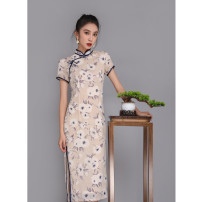 cheongsam Summer 2020 S M L XL XXL XXXL Beige medium long flower d9099 Short sleeve long cheongsam literature Low slit daily Oblique lapel Decor 18-25 years old Piping D909999 Wen Qing other Other 100% Pure e-commerce (online only)