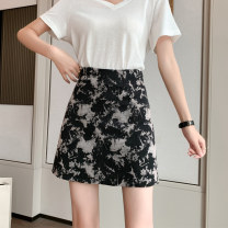 skirt Summer 2021 S M L XL Black blue yellow Short skirt commute High waist A-line skirt Decor Type A 25-29 years old XH66629#32 91% (inclusive) - 95% (inclusive) Leisure trace other zipper Korean version New polyester 95% other 5% Pure e-commerce (online only)