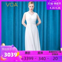 Dress Spring 2021 Silver flower on white background 155/S 160/M 165/L 170/XL 175/XXL 180/XXXL longuette singleton  Sleeveless commute V-neck middle-waisted Solid color Socket A-line skirt routine 30-34 years old Type A VOA lady Pleated stitching AE792 More than 95% brocade silk Mulberry silk 100%