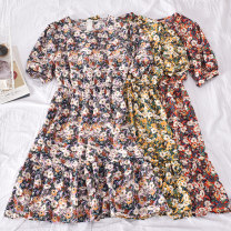 Dress Summer 2020 Red, blue, yellow, green Average size Mid length dress singleton  Short sleeve commute Crew neck High waist Broken flowers Socket A-line skirt pagoda sleeve Others 18-24 years old Type A Korean version Fold, print Cheng cheng-8603 round neck dress 30% and below other polyester fiber