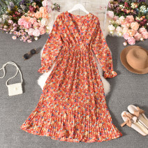 Dress Autumn 2020 Red flowers, blue flowers Average size longuette singleton  Long sleeves commute V-neck High waist Broken flowers Socket A-line skirt routine Others 18-24 years old Type A Korean version printing Cheng cheng-8895-3 long sleeve V-neck Floral Dress 30% and below Chiffon