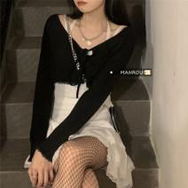 Fashion suit Spring 2021 S. M, l, average size Black sling, white sling, black skirt, white skirt, black skirt, white skirt 18-25 years old 51% (inclusive) - 70% (inclusive)