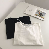 T-shirt White, black S,M,L Summer 2021 Short sleeve Crew neck Straight cylinder have cash less than that is registered in the accounts routine commute other 51% (inclusive) - 70% (inclusive) 18-24 years old Korean version Solid color
