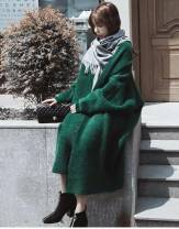 Wool knitwear Winter of 2018 Average size Dark green, white, black, dark green, white, black Long sleeves singleton  Cardigan other 31% (inclusive) - 50% (inclusive) Medium length thickening commute easy other Bat sleeve Solid color Other / other