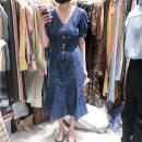 Dress Spring 2021 Dark blue, light blue S,M,L Mid length dress singleton  Short sleeve V-neck High waist Solid color Single breasted puff sleeve 31% (inclusive) - 50% (inclusive) Denim