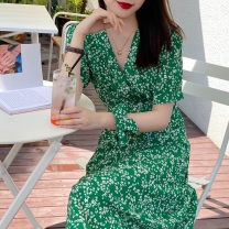 Dress Summer 2020 green S,M,L Mid length dress singleton  Short sleeve commute V-neck High waist Broken flowers other Others 25-29 years old Type X Other / other Korean version printing Q-30 More than 95% Chiffon