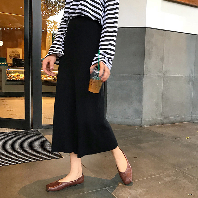 skirt Autumn of 2018 Average size (160 / 84A) Black apricot Mid length dress Versatile High waist A-line skirt Solid color Type A 18-24 years old P2280