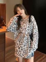 Lace / Chiffon Summer 2020 N72 gray, U32 white Average size Long sleeves commute Socket Straight cylinder Medium length Crew neck Leopard Print routine 18-24 years old Korean version 31% (inclusive) - 50% (inclusive)