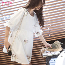 Dress The queen of women white M L XL Korean version elbow sleeve Medium length summer Crew neck 21-5027