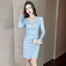 Dress Winter 2020 Graph color S,M,L Short skirt singleton  Long sleeves commute V-neck middle-waisted Solid color Socket One pace skirt routine Others 25-29 years old Type X Korean version Splicing 71% (inclusive) - 80% (inclusive) brocade cotton
