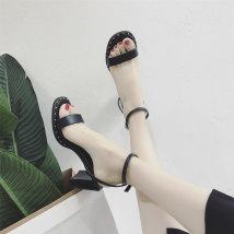 Sandals 35 36 37 38 39 black Vanessa PU Barefoot Square heel Middle heel (3-5cm) Summer of 2018 Flat buckle Korean version Solid color Adhesive shoes