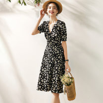 Dress Spring 2021 Decor S,M,L,XL Mid length dress singleton  Short sleeve Sweet V-neck High waist Decor zipper A-line skirt routine Others 25-29 years old Type A Frenulum , printing , High waist More than 95% other polyester fiber Countryside