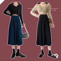 skirt Spring 2021 Average size Black, blue longuette commute High waist Pleated skirt Solid color Type A 18-24 years old 91% (inclusive) - 95% (inclusive) knitting polyester fiber fold Korean version