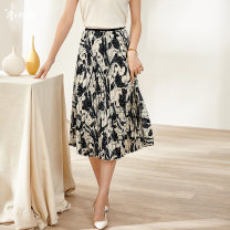 skirt Summer 2021 S M L XL XXL Mid length dress commute Natural waist Pleated skirt Decor Type A 35-39 years old More than 95% other Mi Siyang polyester fiber Printing crimping Retro Polyester 100% Same model in shopping mall (sold online and offline)