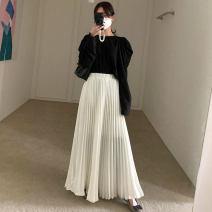 Fashion suit Autumn 2020 Average size Black shirt, white shirt, black skirt, white skirt 18-25 years old 31% (inclusive) - 50% (inclusive)
