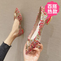 Low top shoes 35,36,37,38,39,40 Other / other gules Sharp point cloth Thick heel Low heel (1-3cm) Shallow mouth PU Spring 2020 ethnic style rubber Single shoes Water drill, shallow mouth daily