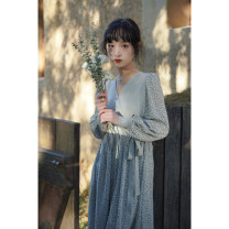 Dress Spring 2021 Blue, purple Average size longuette singleton  Long sleeves commute V-neck High waist Broken flowers Socket Big swing puff sleeve 18-24 years old Type A Crossing the river Retro QS1177 More than 95% other