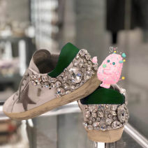 Low top shoes 34,35,36,37,38,39,40 Emerald Round head top layer leather Flat heel Low heel (1-3cm) Midmouth Sheepskin Spring 2021 Frenulum Europe and America Adhesive shoes Youth (18-40 years old) Solid color rubber Single shoes rhinestone Sheepskin banquet Face dressing