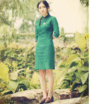 cheongsam Autumn of 2019 S (stock), m (stock), l (stock), XL (stock), XXL (stock), [small size] Grass green Qipao, dark red Qipao, rose red Qipao three quarter sleeve Short cheongsam ethnic style Low slit daily Oblique lapel Solid color cotton