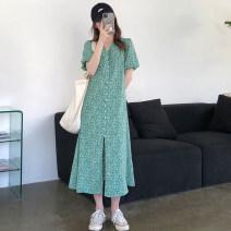 Dress Summer 2020 Green floral skirt Average size longuette singleton  Short sleeve commute V-neck Broken flowers puff sleeve 18-24 years old Korean version