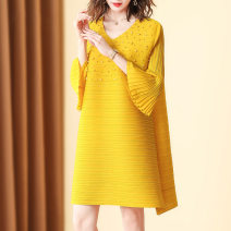 Dress Summer 2020 Black, yellow, khaki, red Average size Mid length dress singleton  three quarter sleeve street Crew neck Loose waist Solid color Socket A-line skirt pagoda sleeve Others 35-39 years old Type A X · Meng / gorgeous dream Stitching, beading, pleating other polyester fiber