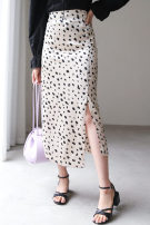skirt Summer 2020 Average size Khaki, off white longuette Versatile Natural waist A-line skirt Leopard Print Type A 25-29 years old More than 95% other polyester fiber printing