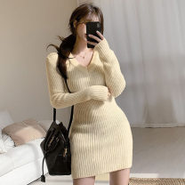 Dress Spring 2021 Off white S,L,M Short skirt singleton  Long sleeves commute V-neck High waist Solid color One pace skirt routine Others 18-24 years old Splicing 91% (inclusive) - 95% (inclusive) knitting polyester fiber