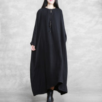 Dress Spring 2021 Elegant black, retro red, Zen coffee purple, coffee yellow Average size longuette singleton  Long sleeves commute Crew neck Loose waist Solid color Socket 40-49 years old The wind ethnic style Embroidery, pocket More than 95% hemp