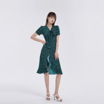 Dress Summer 2020 A 7256 Green B 0576 blue D 5146 green C 0586 Black 100% Silk 1 1/S/36 2/M/38 3/L/40 4/XL/42 5/XXL/44 Middle-skirt singleton  Short sleeve commute V-neck middle-waisted Socket A-line skirt routine 25-29 years old Type A Marisfrolg.su Simplicity BAAY25146 More than 95% other
