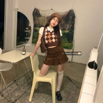 Fashion suit Summer 2021 Separate shots White T-shirt, brown vest, brown skirt s, brown skirt m, brown skirt L 18-25 years old 30% and below