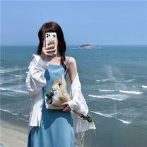 Fashion suit Summer 2021 Average size Blue suspender skirt, black suspender skirt, white shirt 18-25 years old 51% (inclusive) - 70% (inclusive)