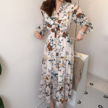 Dress Spring 2020 Off white, black Average size Mid length dress singleton  Long sleeves commute V-neck Decor Socket Others 18-24 years old Korean version 71% (inclusive) - 80% (inclusive)