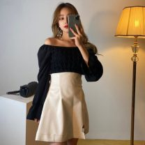 Fashion suit Autumn 2020 Average size Apricot top, black top, white skirt s, white skirt m, black skirt s, Black Skirt M 18-25 years old 71% (inclusive) - 80% (inclusive)