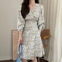 Dress Spring 2021 Off white, black, light pink Average size Middle-skirt singleton  Long sleeves commute V-neck Broken flowers Socket Others 18-24 years old Korean version 71% (inclusive) - 80% (inclusive)