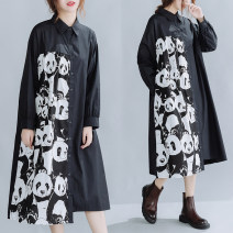 Dress Autumn 2020 black Large size average size [100-200kg recommended] Mid length dress singleton  Long sleeves commute square neck Loose waist Single breasted Irregular skirt routine Others 30-34 years old Type H Other / other literature Splicing 71% (inclusive) - 80% (inclusive) other cotton