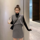 Fashion suit Autumn of 2019 S. M, average size White vest, grey vest, black vest, white undershirt, black undershirt, grey plaid skirt, Khaki Skirt 18-25 years old Other / other