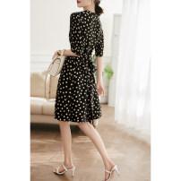 Dress Spring 2021 singleton  elbow sleeve commute High waist Dot zipper puff sleeve Xiaohan Pavilion More than 95% silk