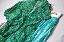 """Hanfu 96% and above """"Bird green print leaf pattern Georgette shirt"""" and """"ice green Georgette silver pleated skirt"""" Other sizes silk"""