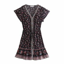 Dress Spring 2021 As shown in the figure XS,S,M,L Short skirt street V-neck High waist 18-24 years old 81% (inclusive) - 90% (inclusive) Europe and America
