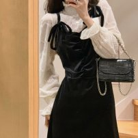 Fashion suit Winter 2020 S,M,L Apricot lace underlay, velvet suspender dress 18-25 years old Other / other 51% (inclusive) - 70% (inclusive) cotton