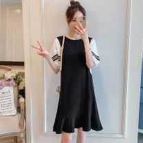 Nursing clothes black M,L,XL,2XL Socket Spring and summer Short sleeve Medium length Dress Side opening